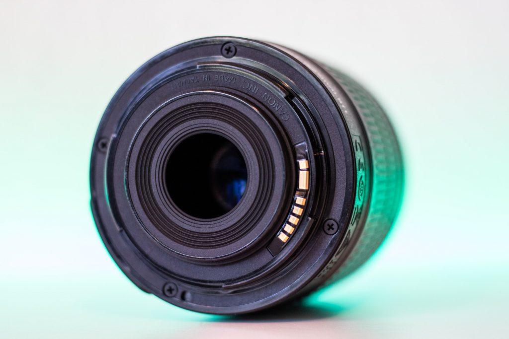 Canon 18-55mm f/3.5-5.6 rückseite